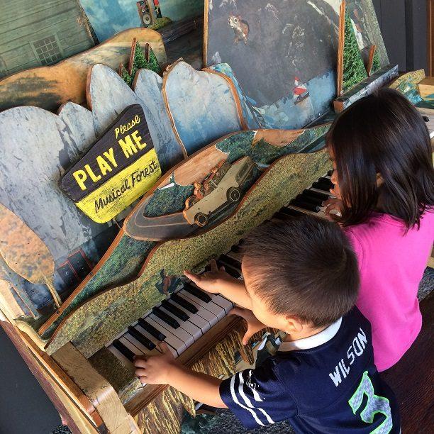 Kids in Portland museum