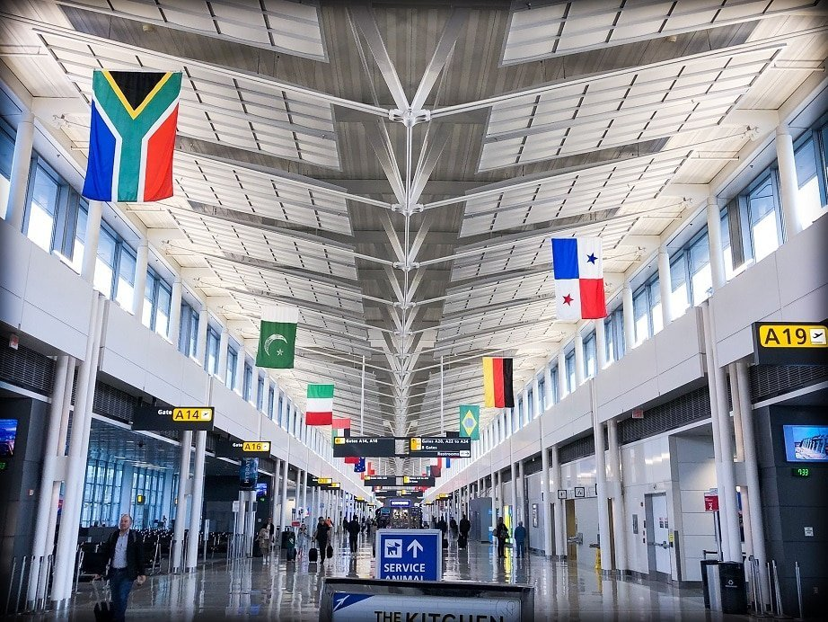 Transiting through Dulles Airport as a travel influencer