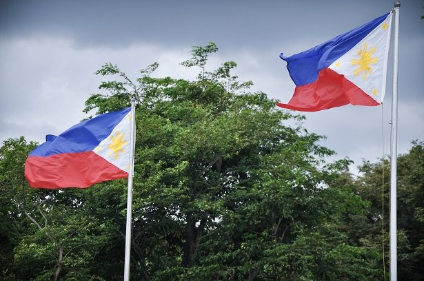 Flags in Manila, Philippines, at tourist spots in Luzon
